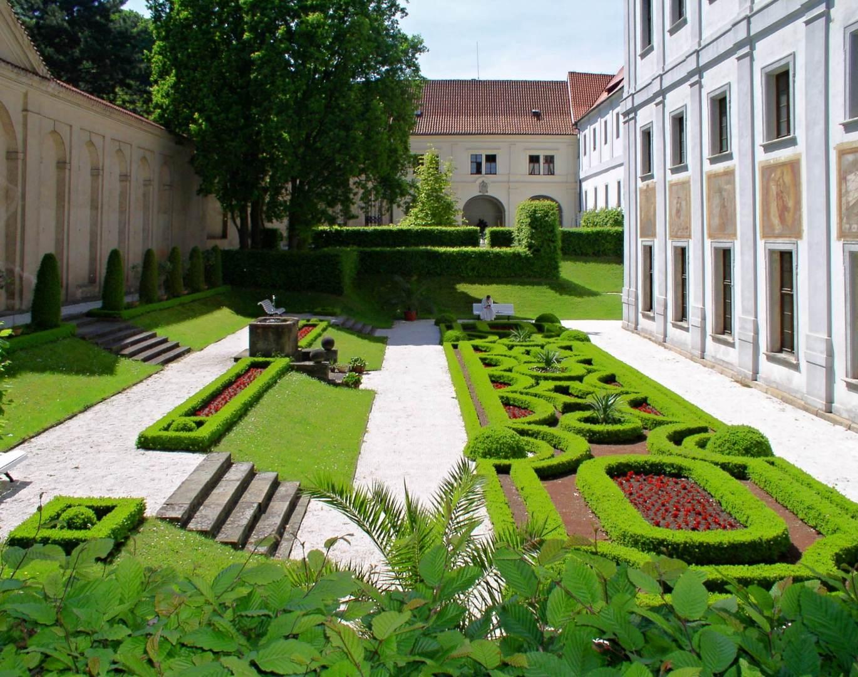 Zahrada ve svahu fotogalerie 5